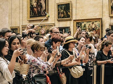Ways to Avoid Crowds While Traveling