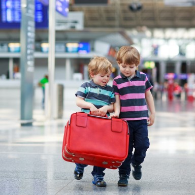 The Comprehensive Guide to Flying with Kids